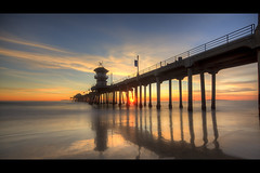 mysterious sunset (Eric 5D Mark III) Tags: california longexposure sunset people usa color reflection beach canon landscape photography pier twilight unitedstates wideangle orangecounty huntingtonbeach tone ndfilter ericlo ef14mmf28liiusm eos5dmarkii