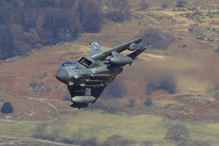 """Thunder Valley"" (PhoenixFlyer2008) Tags: wales speed canon aviation military tornado raf lowlevel cadairidris dolgellau panavia gr4 machloop marham fastjet neilbates iiacsquadron airteamcanon"