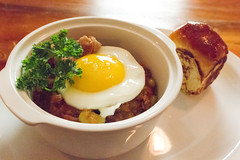 Tiny sausage and sweet bread stew (Rene S. Suen) Tags: toronto tomato bread tail egg sausage bean pork roll parsley sweetbread pigtail hock offal parkerhouse flageolet renedinesout geoffhopgood hopgoodsfoodliner