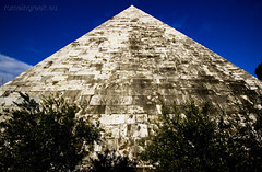 "Piramide Cestia • <a style=""font-size:0.8em;"" href=""http://www.flickr.com/photos/89679026@N00/6901923839/"" target=""_blank"">View on Flickr</a>"