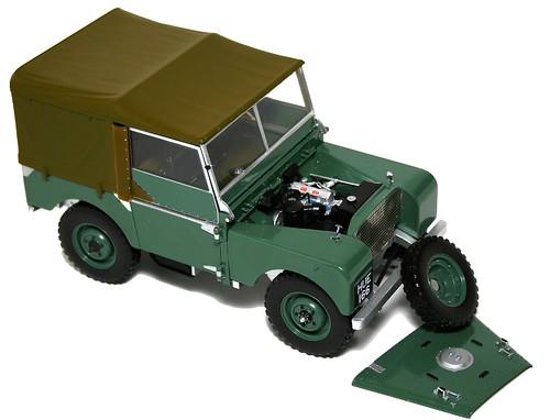 Minichamps Land Rover 48 (1)