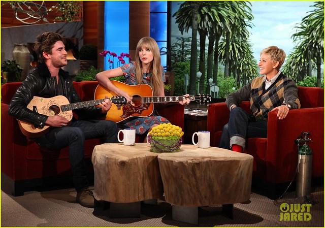 Taylor Swift y Zac Efron cantan en el Ellen show