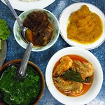 "Myanmar Food <a style=""margin-left:10px; font-size:0.8em;"" href=""http://www.flickr.com/photos/14315427@N00/6921001920/"" target=""_blank"">@flickr</a>"