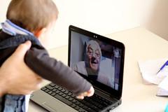 e gni gni gni e co co co e puci puci puci (Zioluc) Tags: baby video call grandfather skype gnegnegne luciobeltrami