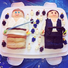 Amazing #StarWars-inspired #LEGO birthday cake
