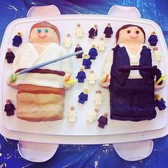 Amazing #StarWars-inspired #LEGO birthday cake