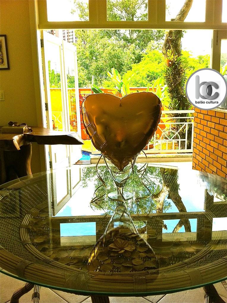 4f79ebabbc5 Balões  Bodas de Ouro (Balão Cultura) Tags  amor balão dourado coração  paixão