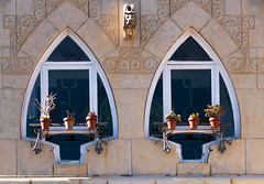 DOS VENTANAS MODERNISTAS (mamherrera) Tags: windows espaa spain arquitectura ventanas catalunya modernismo catalua artnoveau cadaques mamherrera