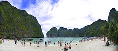 Phuket - Maya Bay (Wang Guowen (gw.wang)) Tags: sea holiday beach water thailand island land phuket islandhopping mayabay panoramicphotography gwwang wangguowen
