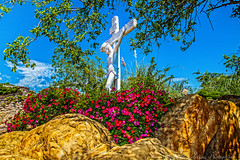(Paul A Valentine) Tags: park flowers trees houses holiday church statue canon vintage buildings landscapes texas village play events misc structures photowalk monuments wildwest vintagehouses parkercounty vintagebuildings 5dmark2 canon5dii capernaumfirstcenturyvillage tammylaneprod
