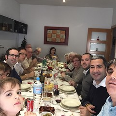 Selfie Familiar!!! #family #bonnadal @hortajordi @soniavi... (OriolGaldon) Tags: family bonnadal perevila uploaded:by=flickstagram elisabethamigo carlesgaldon marcvila11 pamigot instagram:photo=88328027180923459214839912 soniavi hortajordi