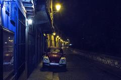 ASL1244 (Lunasanz) Tags: vw luces lluvia nostalgia beatle escarabajo nocturnas farolas posada cuenca faroles huecar lostintes cocheshistoricos paseolostintes