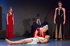 Du. Geliebte. Unschuld. 07 (Azouras Defeat) Tags: theater shakespeare goethe unschuld tennesseewilliams stagephotography lessing stageplay rollentausch theaterfotografie sechseckbau eos5diii