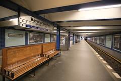 U-Bahnhof (U4) Bayerischer Platz (Pascal Volk) Tags: berlin schneberg underground subway metro platform bahnhof wideangle railwaystation ubahn wa ww subwaystation 16mm ubahnstation metrostation ubhf superwideangle undergroundrailway sww bvg uwa weitwinkel swa rapidtransit vbb ultrawideangle metrosystem uww untergrundbahn ubf ubahnhaltestelle bayerischerplatz berlinubahn ultraweitwinkel superweitwinkel berlinerverkehrsbetriebe canonef1635mmf4lisusm bayerischesviertel canoneos6d berlintempelhofschneberg uhst