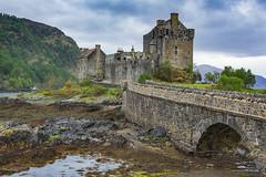 Eilean Donan (Peet de Rouw) Tags: uk castle scotland highlands donan eileandonan canonef24105mmf4lisusm denachtdienst canon5dmarkiii peetderouw
