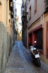 Motor bike (Manutero) Tags: street espaa calle path toledo moto narrow callejon empedrado