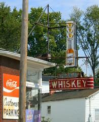 Larry's Liquors neon sign - Lousville, KY (SeeMidTN.com (aka Brent)) Tags: sign neon kentucky ky whiskey larrys liquor larry louisville liquors bmok thingsthatarenowgone bmokneon