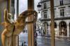 """Musée du Louvre - """"Dépêche-toi, mon héros, je naime pas la pluie!"""""""