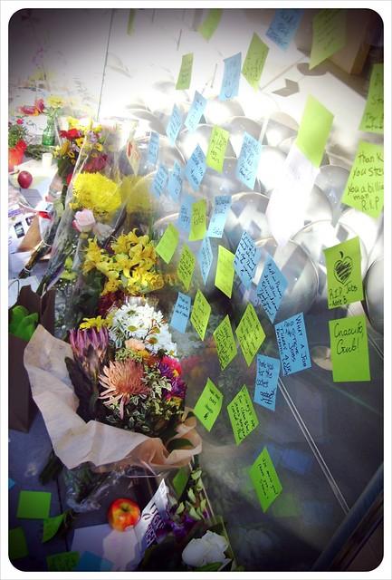 RIP Steve Jobs APPLE STORE Chicago