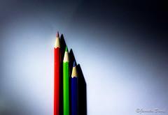 color pencils 1/2 (janoskadavid) Tags: blue light shadow red white david green pencil canon eos picture pentacon 1850 fény piros zöld fehér kék 550d árnyék janoska