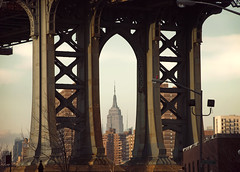 (BRIDGE) Five views of the Empire State Building 1/5 (Alberto Sen (www.albertosen.es)) Tags: new york bridge building brooklyn puente state manhattan alberto empire nueva sen estados eeuu unidos albertorg albertosen