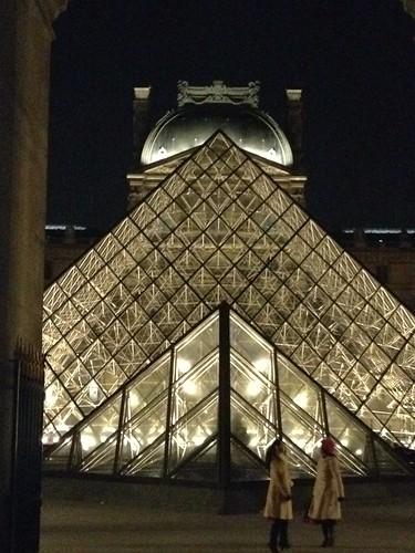 Paris #01 - Le Louvre by night