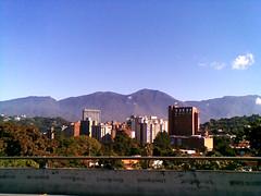 14/29 (Ørs) Tags: venezuela edificio caracas 29 montaña febrero leors