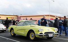 1958 Chevrolet Corvette Fuelie - yelow - fvr --- Huntington Beach, 048 (Pat Durkin OC) Tags: yellow chevy corvette huntingtonbeach c1 donutderelicts fuelinjected 1958chevrolet fuelie