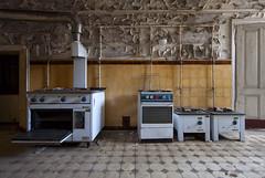 Mc Decay (klickertrigger) Tags: door urban abandoned kitchen decay fliesen pipes flags gas stove flies küche exploration herd tür ue verlassen urbex rohre verfall