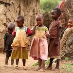 Kinder im Massai Dorf Children in Massai village