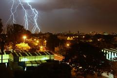 Thunderstorm over La Plata (dieguixxpincharrata) Tags: argentina ray thunderstorm rayo gewitter orage trovoada temporale oluja laplata onweer electricalstorm burza treboada rumuveur petir   nevihta tufan tordenvejr ribut ska brka stuhi zivatar bagyo ukkonen  tuyur skvder ukonilma negaiss  ike bouka dng tormentaelctrica furtun tempestaelctrica    trumoiekaitz  donnerwieder  auratge perknj  stormfelltatharannau    fulmotondro grmljavinskaoluja   gkgrltlfrtna  perknija torevr badaipetir     umemeunavyotokea thoirn hujanbadai