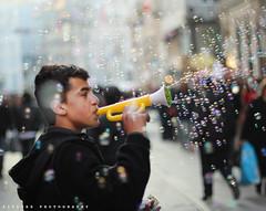 Bubbles.. (ZiZLoSs) Tags: portrait canon eos f14 bubbles ii aziz abdulaziz عبدالعزيز 600d ef50mm zizloss المنيع 3aziz almanie