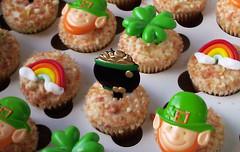 Saint Patrick's Day Cupcakes (Animated Cupcakes) Tags: cupcakes rainbows clovers stpatricksday stpattysday potofgold leprachauns