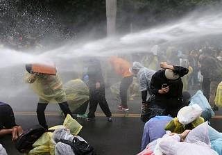 马英九迫于民众压力叫停核电项目