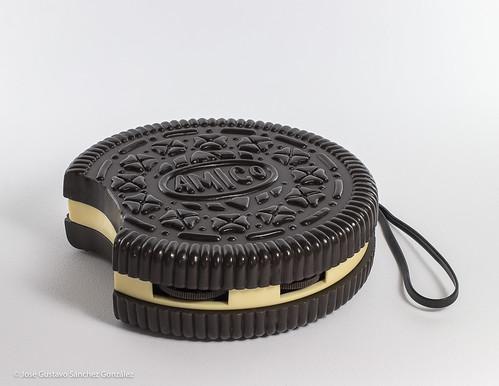 Vintage Novelty Figural Oreo Cookie Radio