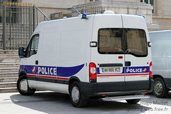 Police Nationale | Renault Master (spottingweb) Tags: france truck cops police security renault master lorry camion cop vehicle 17 spotted van secours spotting policeman urgence intervention policier fourgon scurit vhicule camionnette policenationale fourgonnette forcedelordre gyrophare copvan spottingweb