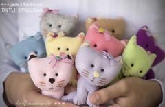 Gatinhos Fofos de feltro (Dani_Fressato) Tags: handmade artesanato felt feltro gatinhos trabalhomanual danifressato