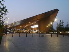 Het cs (michieljacker) Tags: rotterdam centraalstation rotjeknor night train station