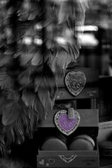 N'importe pas o se trouve l'amour.  Il existe.   a suffit.   (Bea ) Tags: bw paris blackwhite biancoenero parigi