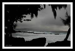 North Shore Beach, Honolulu (Ruth Yates) Tags: ocean sunset sky sun beach nature water night clouds landscape hawaii boat honolulu waikikibeach sunrays stockphotographs panoramio hawaiianisland natureplus dpphotography naturalbeautycanon40d 2470mmlserieslens httpwwwflickrcomgroupsnewken