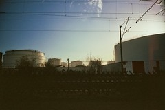 (pim (pimbert) rdwrt) Tags: oil r1 bp mainz ricoh tanks kostheim