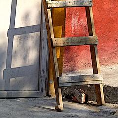 one brick short (msdonnalee) Tags: shadow brick wall ombra sombra ombre shade mexique ladder schatten mexcio mexiko messico    woodenladder photosfromsanmigueldeallende fotosdesanmigueldeallende schafften