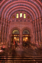 Closing time at the NHM (WOLFE) Tags: longexposure london history tourism museum architecture doors natural steps entrance arches tourist visitor naturalhistorymuseum nhm attraction slowexposure