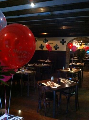 Tafeldecoratie 3ballonnen Valentijsdag Klavertje 4 Spijkenisse Hekelingen