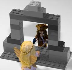 鏡を覗き込むお姫様