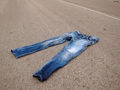 11 de abril (Carlos Torija) Tags: road liberty libertad freedom pants carretera trousers pantalones pantaln