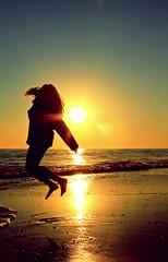 Come on, stand! Youre gonna run again. (Celya Usfive) Tags: sea sun sol beach sunshine contraluz ego freedom luces mar day huelva playa vida 29 leap salta bisiesto frebuary bohemiedad flickrleap2012