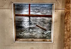 gebroken  venster leerfabriek Oisterwijk (Gerard Stolk (retour de l'Occitane)) Tags: oisterwijk glas raam urbex scherven venster leatherfactory leerfabriek gebrokenglasraam