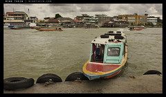 _M9P1_L1013066 copy (mingthein) Tags: leica river boat bokeh availablelight floating m chao ming summilux asph longtail element m9 fle phraya 3514 onn thein photohorologer mingtheincom m9p 3514asphfle blogmingtheincom