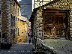 Living in old houses: Encamp, Vall d'Orient, Andorra (lutzmeyer) Tags: pictures old winter sunset history architecture rural march photos images oldhouse fotos marc architektur invierno marzo märz historia andorra oldhouses bilder pyrenees pirineos pirineus architectura pyrenäen puestadelsol historisch imatges hivern borda historiccentre postadelsol historischeszentrum mfmediumformat valldorient livingantic livingrural encampcity eltremat lutzmeyer lutzlutzmeyercom